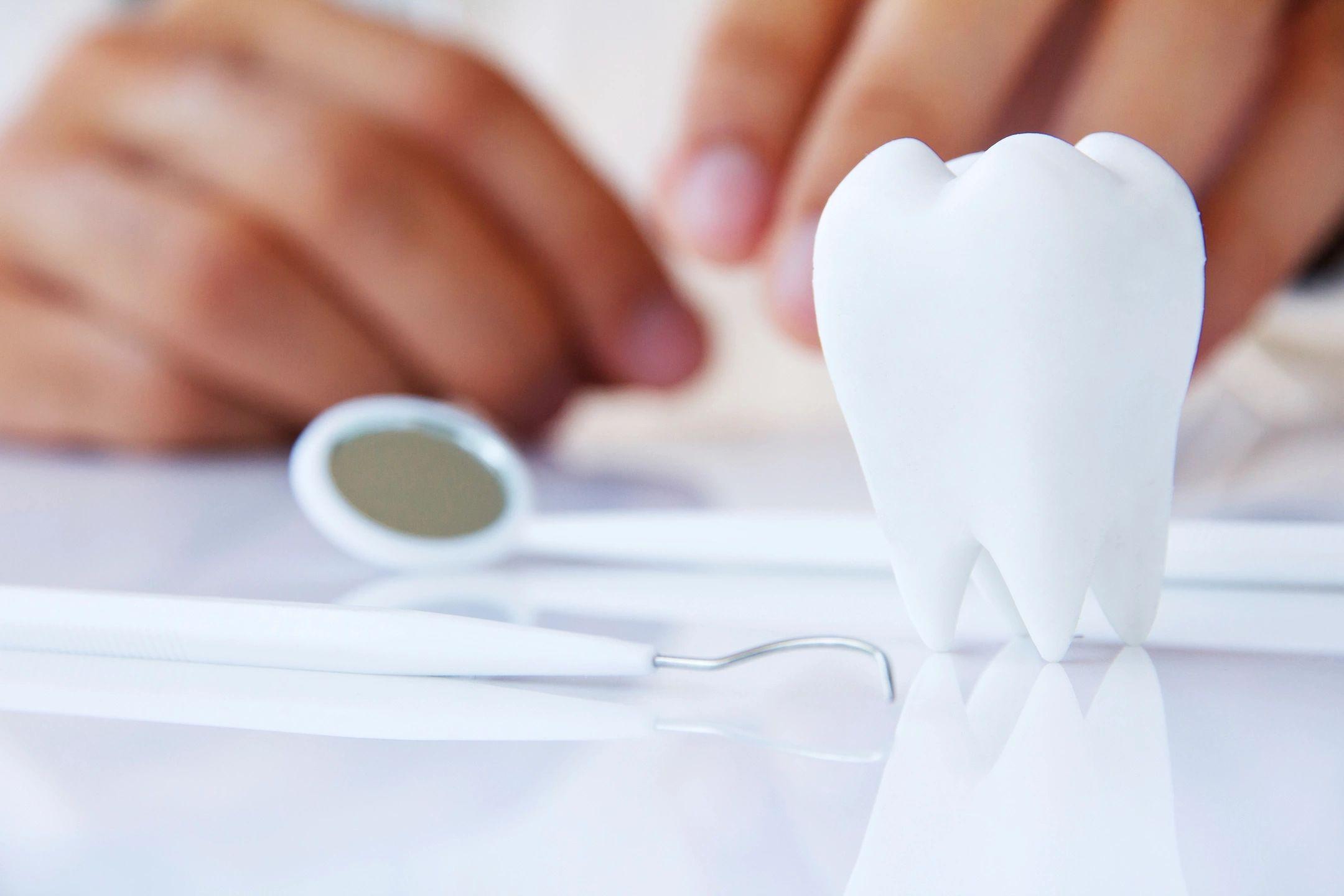 dentist  dentistry dr. ron Elliott Florence, ky  Cincinnati  veneers tmj  jawl  root canal  teeth  cosmetic dentistry  botox  dermal fillers  aesthetics